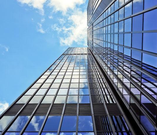 Jak przebiega produkcja szkła?