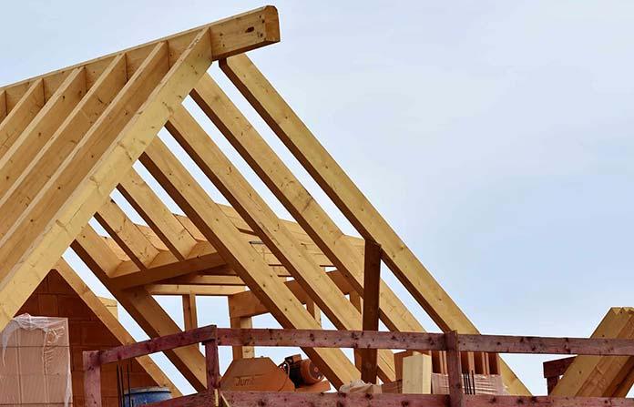 Zalety drewnianych konstrukcji dachowych
